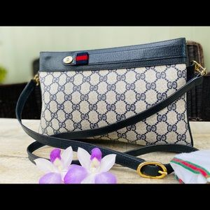 Authentic Gucci Sherry Line Clutch/Crossbody Bag🌺